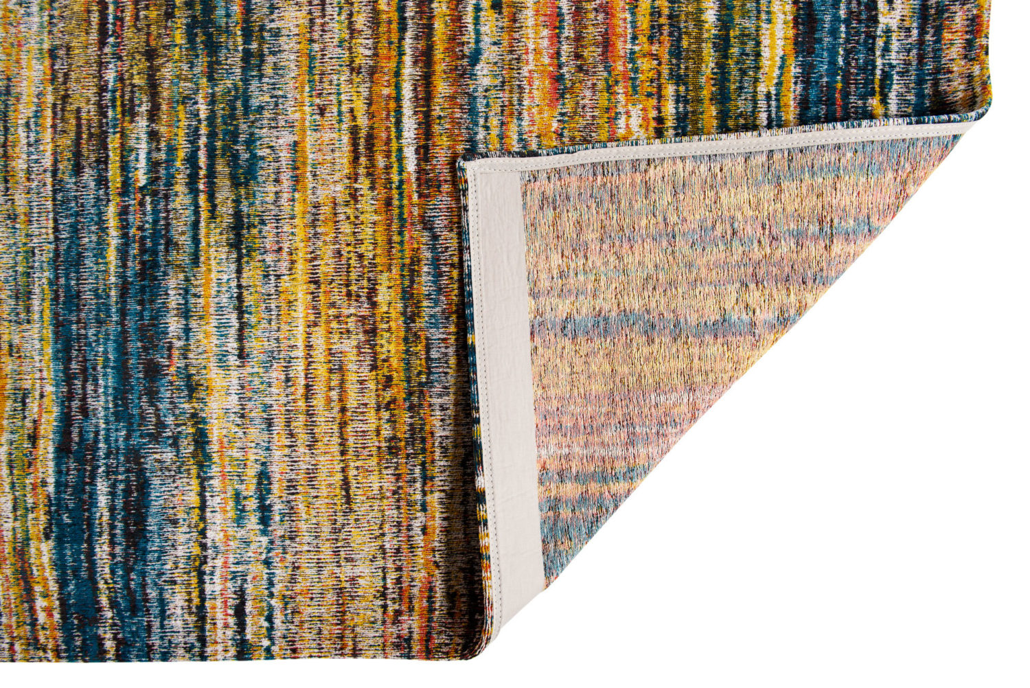 Sari is inspired by the Indian rugs made of Sari silk leftovers