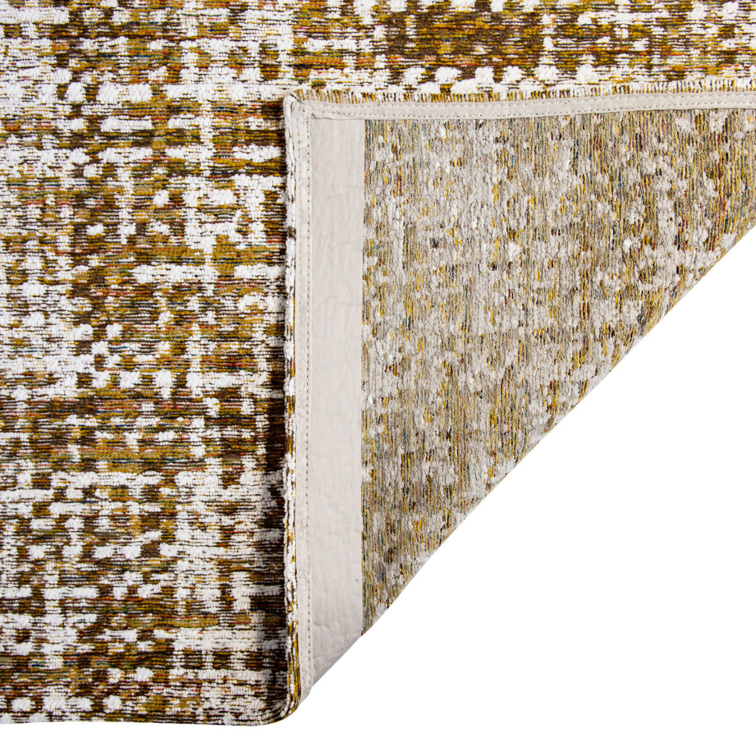 The Colchani rugs have a chanel-esque chequered design
