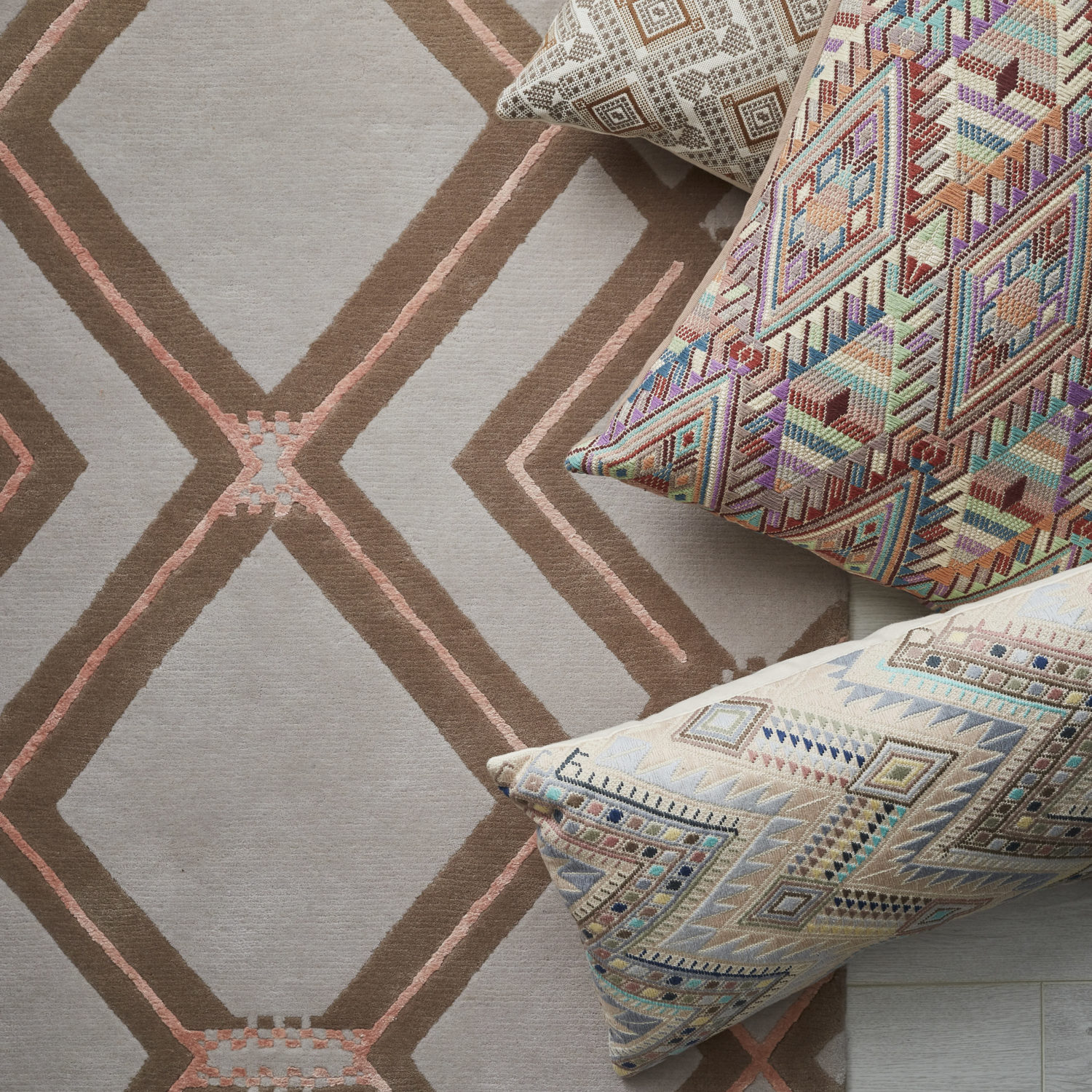 Sumal is inspired by the beautiful textile and rich patterns of Mayan culture